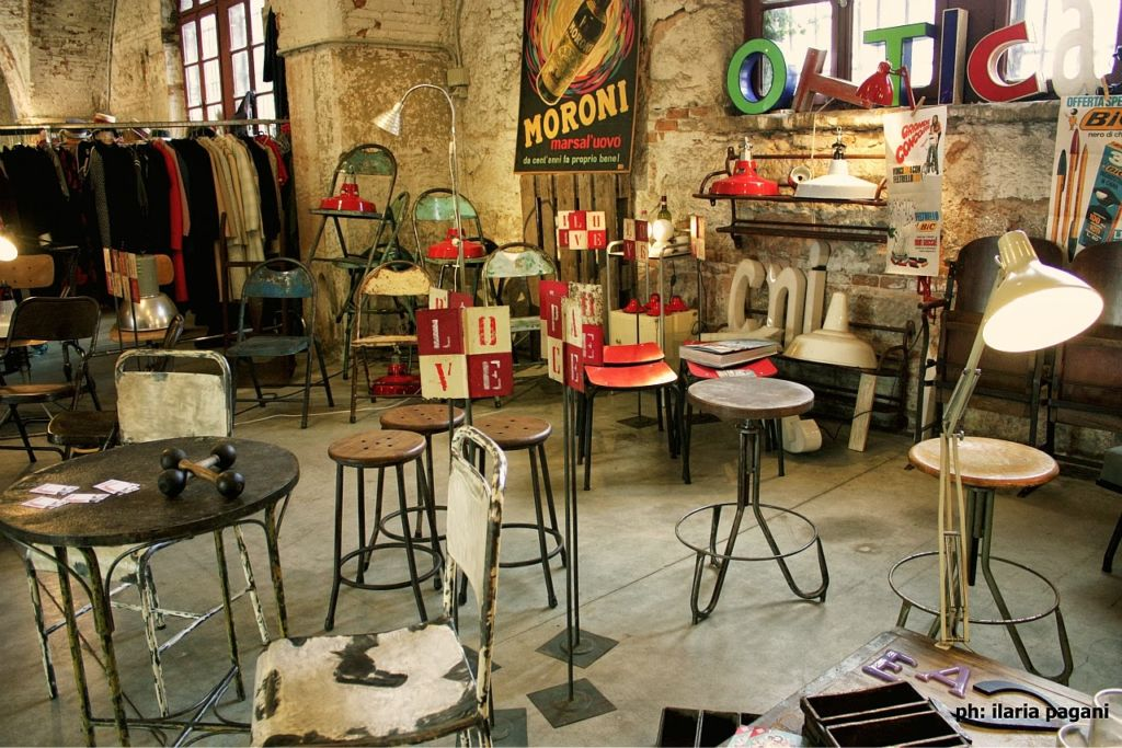 Arsenale vintage world to travel is to live la cronaca for Arredamento industriale vintage