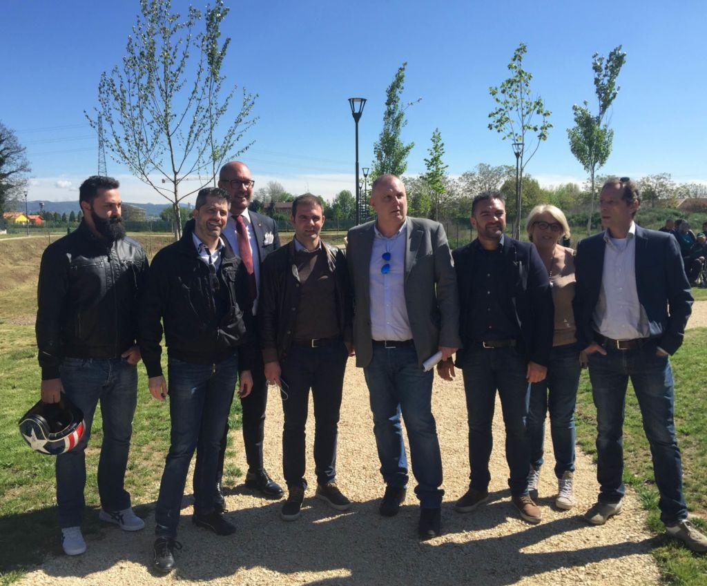 Inaugurata la nuova area verde tra via del pestrino e via - Piscina san giovanni lupatoto ...